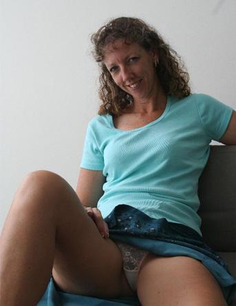 Rijpe vrouw van 63 uit Zuid-Holland