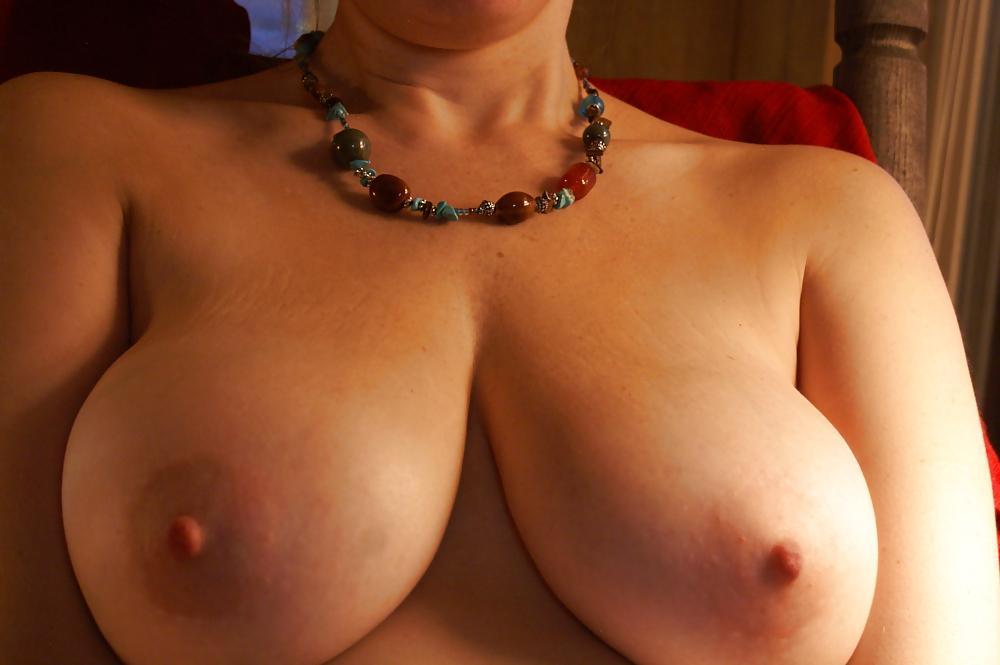 Sexy oudje van 52 uit Antwerpen is gek op squirten