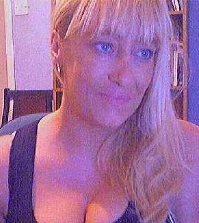 Huisvrouw uit  zoekt jongens voor sexdating