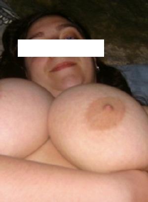 Huisvrouw uit  zoekt amateurs voor een keertje neuken