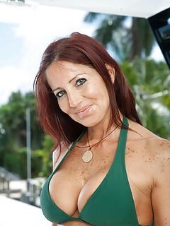Rijpe vrouw van 50 uit Flevoland