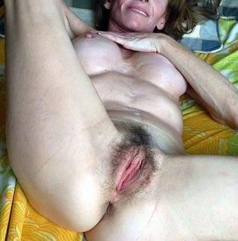 Rijpe vrouw van 68 uit Noord-Holland