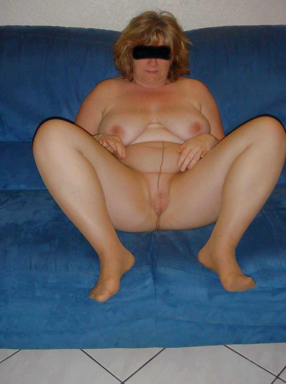 Erotisch oudje van 57 uit Drenthe ejaculeert vanuit haar pussy