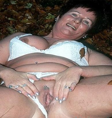 Rijpe vrouw van 71 uit Gelderland