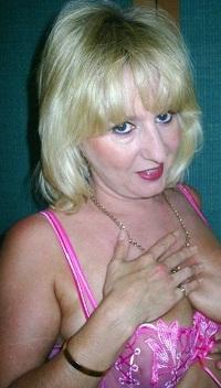 Huisvrouw uit  zoekt jongens voor eenmalig vrijen