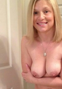 Huisvrouw uit  zoekt mannen voor ontmoeting