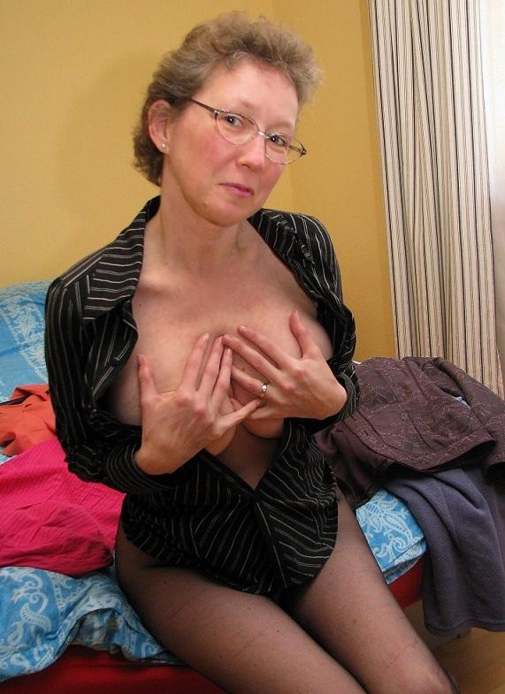 Rijpe vrouw van 57 uit Limburg