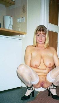 Vagina van 63-jarig omaatje uit Noord-Holland beffen