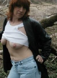 Sexy oudje van 60 uit Overijssel ejaculeert vanuit haar pussy