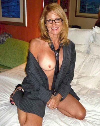 Huisvrouw uit  zoekt kerels voor eenmalige sex
