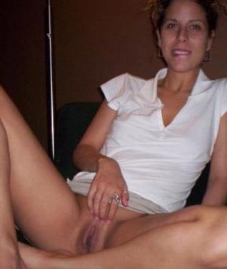 Huisvrouw uit  zoekt mannen voor sexdating