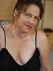 Clitoris van 49-jarig dametje uit Groningen beffen