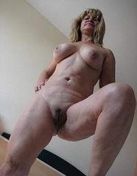 Huisvrouw uit  zoekt man voor eenmalige sex