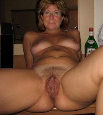 Huisvrouw uit  zoekt jongen voor eenmalig vrijen
