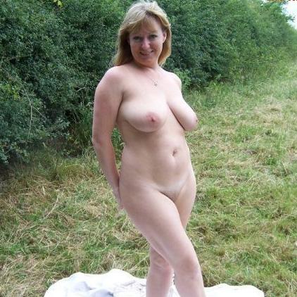 Huisvrouw uit  zoekt jongeheren voor sexdate