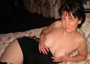 Huisvrouw uit  zoekt kerels voor ontmoeting