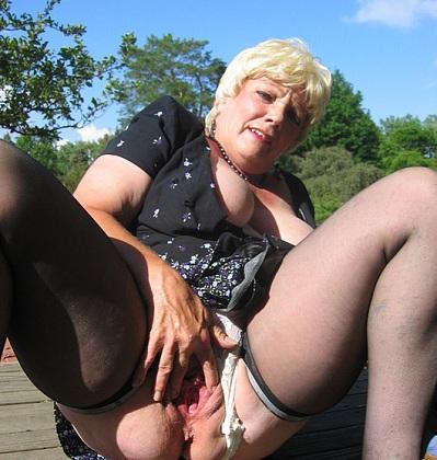 Wulps oudje van 70 uit Groningen kan haar kutje laten spuiten