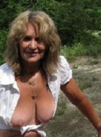 Rijpe vrouw van 64 uit Drenthe