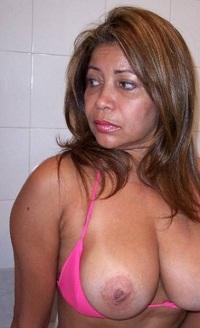 Huisvrouw uit  zoekt knul voor een keertje neuken