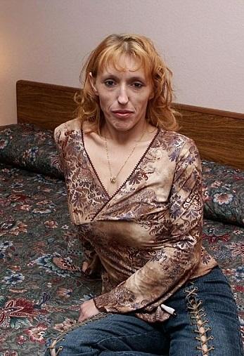 Huisvrouw uit  zoekt amateurs voor date