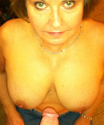 Geile sex date met rijpe 65-jarige vrouw uit Zeeland