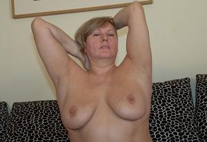 Rijpe vrouw van 54 uit Drenthe