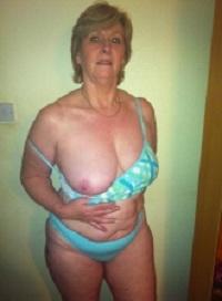 Geile sex date met rijpe 66-jarige vrouw uit Noord-Holland