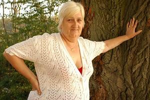 Lekker wijf van 71 uit Flevoland kan haar pussy laten spuiten