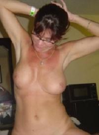 Rijpe vrouw van 60 uit Limburg